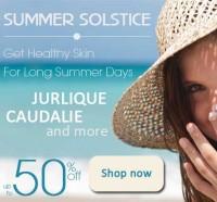 Summer-Skin-Sunscreen-Lady